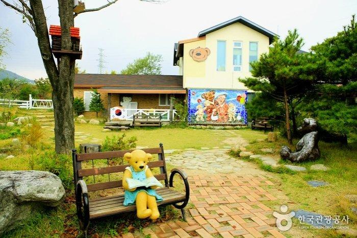 Korea Tour_Mt. Seorak_Teddy bear farm