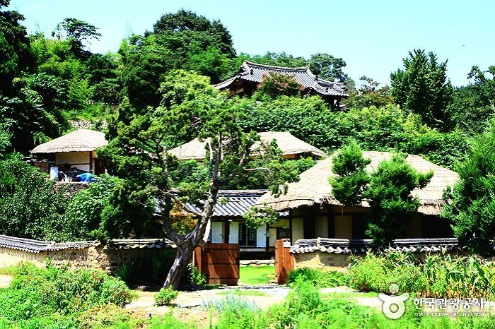 Gyeongju City Tour_Korea Private Tour_Yangong Village